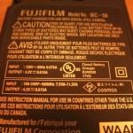 デジカメや携帯電話の充電に変圧器は必要ない
