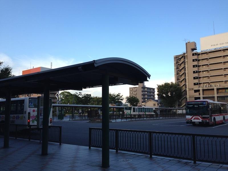 地元の足として活用される小牧駅名鉄バスセンター